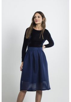 Navy blue pleated skirt with lining