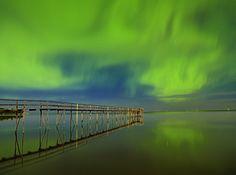Northern lights on Lake Winnipeg, Manitoba.  Photographers   Mike Grandmaison   Winnipeg, Manitoba   Photography   Photographers