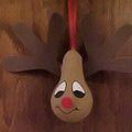 Recycled Christmas Tree Ornaments: Light Bulb Reindeer