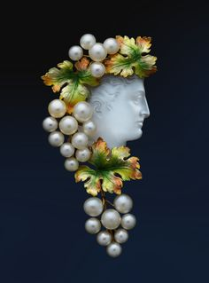 Art Nouveau - Gold, pearl, enamel, moonstone. ALBION ART Collection.
