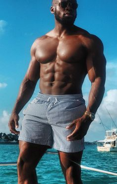 Black Men Beards, Raining Men, Shirtless Men, Male Physique, Black Power, Black Is Beautiful, Bearded Men, Mens Fitness, Pretty Boys