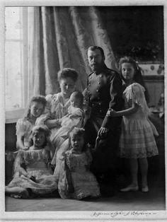 nicholas. alexandra. otma. olga. tatiana. marie. anastasia. alexei. standart. 1907-1912.