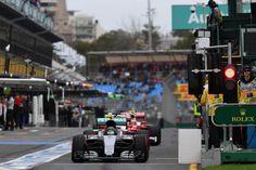 """La leyenda de la Fórmula 1, Sir Jackie Stewart, ha restado importancia a las sugerencias de que la categoría reina, donde él ha estado involucrado más de cinco décadas, se esté rompiendo. """"La gentesólo ve la parte mala"""", considera el triple campeón del mundo."""