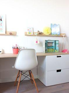 Bureau enfant // Kids room with ikea storage ...réalisation Peek It Magazine