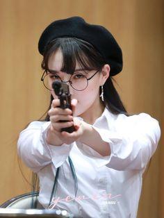 South Korean Girls, Korean Girl Groups, Cloud Dancer, G Friend, Jooheon, Korean Singer, Ultra Violet, Kpop Girls, Rapper