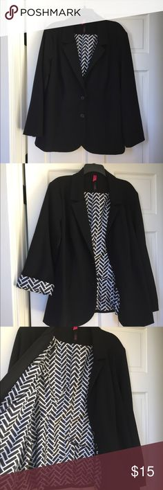 Black blazer women's 2X Black blazer with fun chevron lining! Great with a blouse and trousers or dressed down, paired with jeans and sleeves rolled up! 2X fits size 20-22. True to size, very comfortable softer/stretchier knit. No stains, holes, defects, etc. it excellent gently used condition. Smoke free home. Pure Energy Jackets & Coats Blazers