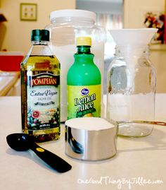 Super Silky Summer Legs Ingredients 1 cup sugar cup oil, 3 tablespoons citrus juice (lemon or lime) Mix everything together. Silky Summer Legs, Silky Legs, Soft Legs, Homemade Beauty, Diy Beauty, Beauty Secrets, Beauty Hacks, Beauty Ideas, Beauty Care