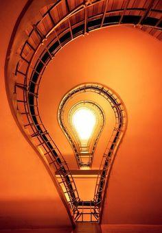 Light bulb stair case