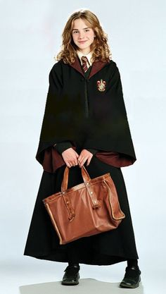Hermione Granger ready for Hogwarts Harry Potter Hermione Granger, Harry Potter Tumblr, Harry Potter Kostüm, Mundo Harry Potter, Harry Potter Pictures, Harry Potter Universal, Harry Potter Characters, Hermione Granger Costume, Wallpaper Harry Potter