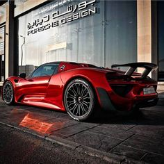 The Porsche 918 Spyder is a Hybrid supercar with a limited production of 918 units that ended in The car is available as a coupe and as roadster. New Sports Cars, Super Sport Cars, Super Cars, Nissan Gt R, Ferrari 458, Lamborghini Aventador, Maserati, Porsche 918, Porsche Cars