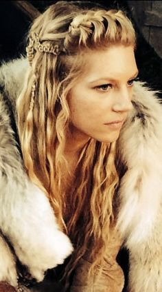 Lagertha's hair never disappoints.