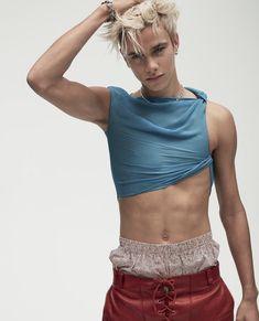 David Beckham Son, David E Victoria Beckham, Burberry, Prada, Saint Laurent, Brooklyn Beckham, Fashion Bible, Men Fashion, Louis Vuitton
