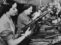 Women war workers assembling the stamped parts of MKII STEN sub machine guns together. The STEN was made from stamped metal and was a very simple, fairly reliable sub machine gun which could be mass produced easily. Women In History, World History, World War Ii, History Pics, Ww2 History, Ancient History, Kings & Queens, History Magazine, Interesting History