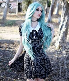 - Hair Style-awesome Blue hair… by www.danazhaircuts…… – Hair Styles awesome awesome Blue hair… by www.danazhaircuts…… by www. Dark Beauty, Goth Beauty, Grunge Fashion, Gothic Fashion, Look Fashion, Fashion Ideas, Alternative Mode, Alternative Fashion, Gothic Mode