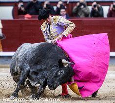 Torero Jiménez Fortes, oreja en la priemra corridad e la temporada 2018 #LasVentas #Madrid #torero  Simon Casas Productions