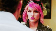 all the awards to dianna agron. no words, all the emotion portrayed through her expression alone.