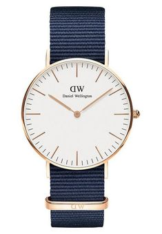 New Daniel Wellington Classic NATO Strap Watch, Womens Fashion Jewelry. Fashion is a popular style Daniel Wellington Classic, Daniel Wellington Watch, Elegant Watches, Beautiful Watches, Unisex, Nato Strap, Mode Online, Luxury Watches, Accessories
