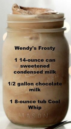 Chocolate Frosty Recipe Wendy's Frosty ~ An easy and delicious Homemade Take on Wendy's Frosty.Wendy's Frosty ~ An easy and delicious Homemade Take on Wendy's Frosty. Yummy Drinks, Healthy Drinks, Yummy Food, Kid Drinks, Yummy Dessert Recipes, Food And Drinks, Copycat Recipes Desserts, Sweet Recipes, Healthy Popsicle Recipes