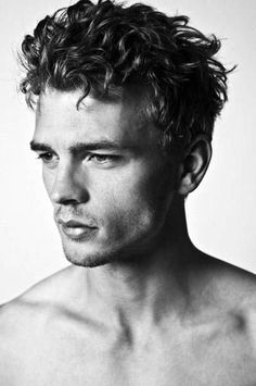 Popular Hairstyles Men With Curly Hair Collection - Hairstyles Men way to Entice Learning about a hairstyles for men With the Perfect to get Elegant hairstyles, when y. Black Curly Hair, Curly Hair Cuts, Short Curly Hair, Curly Hair Styles, Guys With Curly Hair, Teen Boy Haircuts, Boy Hairstyles, Haircuts For Men, Elegant Hairstyles