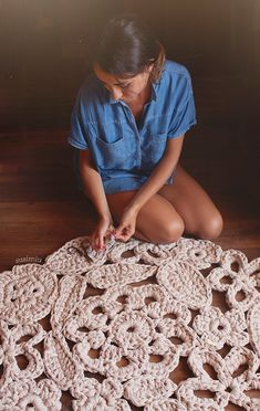 Trapillo rug crochet samples of flowers. Crochet rug by SusiMiu on Etsy https://www.etsy.com/listing/169710511/trapillo-rug-crochet-samples-of-flowers