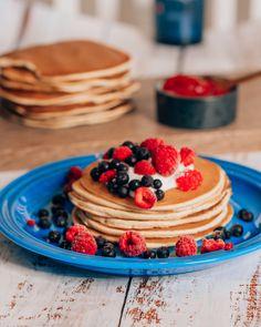 GLUTENFRIE SUPERPANNEKAKER - treningsfrue.no Pancakes, Protein, Keto, Breakfast, Food, Morning Coffee, Essen, Pancake, Meals