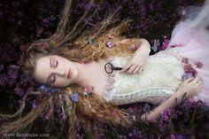 Sleeping Beauty Inspiration- Lunaesque Creative Photography - 'The Secret Garden' Foto Fantasy, Fantasy Magic, Dark Fantasy Art, Fantasy Photography, Beauty Photography, Creative Photography, Photography Lighting, Fairy Tale Photography, Fantasy Garden