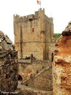 Bragança, castelo e torre de menagem - Fique a conhecer as tradições populares de Trás-os-Montes-e-Alto-Douro em: www.asenhoradomonte.com