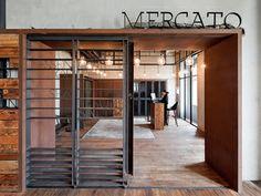 Porta do restaurante 'Mercato'