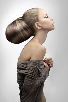 I DO like her hair bun, but, it' BIGGER than her head! Maybe a model with a bigger head would look better? Creative Hairstyles, Up Hairstyles, Crazy Hair, Big Hair, Avant Garde Hair, Editorial Hair, Fantasy Hair, Hair Shows, Look At You