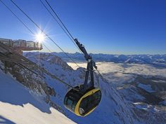 Enjoy the incredible high alpine world of the Dachstein Glacier on holiday at the Rittis Alpin Chalets with private holiday apartments, catering and many sports activities nearby. Snowboard, Holiday Apartments, Sports Activities, The Incredibles, Train, Mountains, World, Fitness, Chalets