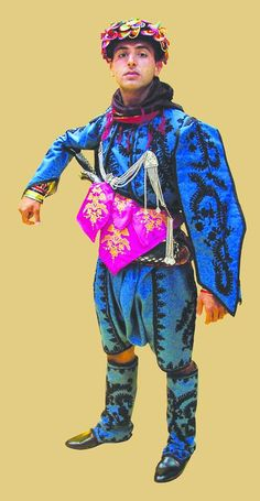 A traditional outfit of the 'Efe' (or: 'Zeybek') from the Izmir province.  The model goes back to the 1920s.  This is a recent workshop-made copy, as worn by folk dance groups.