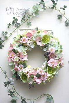 Hellebores & berry Garden wreath Hellebores / Rose / Hydrangea / Raspberry /wedding