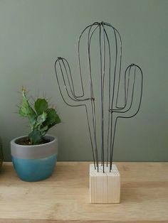 Cactus décoratif en fil de fer, version XL