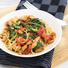 Nasi Goreng, Pasta Noodles, Fodmap, Cooking Time, Pasta Salad, Italian Recipes, Food And Drink, Healthy Recipes, Healthy Foods