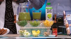 Energizer Smoothie from Super Shred. Physical medicine and rehabilitation specialist Dr. Ian Smith shares a tasty recipe for a fiber-filled smoothie from his new book, Super Shred: The Big Results Diet. Yummy Drinks, Healthy Drinks, Healthy Cooking, Healthy Eating, Healthy Recipes, Healthy Dishes, Healthy Foods, Shred Diet Recipes, Super Shred Diet