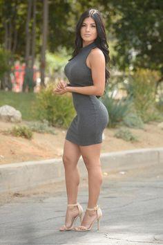 Curvy Women Fashion, Look Fashion, Tight Dresses, Sexy Dresses, Short Dresses, Look Kim Kardashian, Sexy Outfits, Fashion Outfits, Pernas Sexy