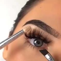 Super how to makeup eyebrows eyeliner ideas Eyebrow Makeup Tips, Eye Makeup Steps, Skin Makeup, Makeup Brushes, Makeup Eyebrows, Eye Brows, Thin Eyebrows, Sparse Eyebrows, Eyeliner Ideas