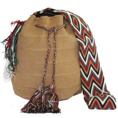 Brown Wayuu Bag http://mochilaswayuubags.tiendanube.com/ #mochilas #wayuu #bohemian #tribal #ethnic #mochilas wayuu