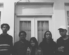 Closure Lepas Singel Baru dalam Versi Akustik - GeMusik News punk musik Top Music Artists, Popular Music Artists, Most Popular Music, Upcoming Concerts, Music Events, Malang, Post Punk, Female Singers, Buy Tickets