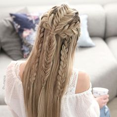 30 Chic Hairstyles for Long Straight Hair is part of braids - Are hairstyles for long straight hair is what you are searching for Then check out our marvelous collection of trendy straight hairstyles Chic Hairstyles, Pretty Hairstyles, Braided Hairstyles, Viking Hairstyles, Straight Hairstyles Prom, Renaissance Hairstyles, Perfect Hairstyle, Bohemian Hairstyles, Medium Hairstyles