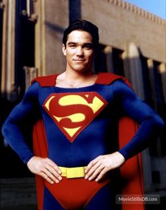 A gallery of Lois & Clark: The New Adventures of Superman publicity stills and other photos. Featuring Dean Cain, Teri Hatcher, Lane Smith, Justin Whalin and others. Clark Superman, Superman Poster, Superman Art, Superman Family, Superman Man Of Steel, Superman Cosplay, Superman Stuff, Batman, Dc Comics