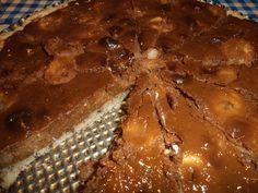 tarta de manjar plátano.... con masa de nueces.. exquisita