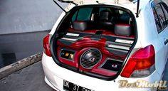 Modifikasi Toyota Yaris SQ : Utamakan Sistem Audio Yang Benar #info #BosMobil
