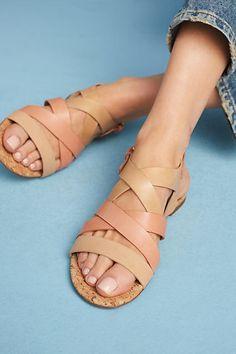 Strappy sandals tan
