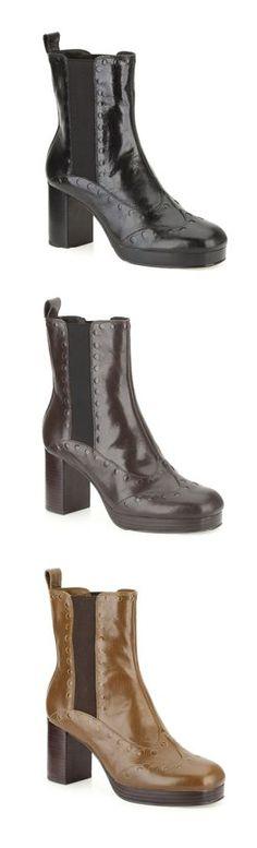 Auch Chelsea Boots beeinhaltet die exklusive Designer-Kollektion. Das Modell Orla Dixie gibt es in Schwarz, Dunkelbraun und Ocker, mehr Modelle: http://www.clarks.de/c/orla-kiely-schuhe