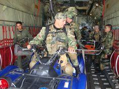 Fuerza Aérea Colombiana entrena sus tripulaciones para el ejercicio Angel Thunder Thunder, Baby Strollers, Children, Air Force, Training, Exercises, Baby Prams, Young Children, Boys