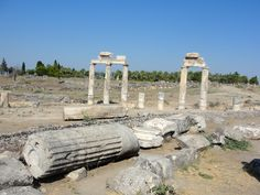 #magiaswiat #turcja #podróż #wakacje #zwiedzanie #europa  #blog #kościół #ruiny #wieża #pamukkale #miasto #hierapolis #efez #meryemana Pamukkale, Mount Rushmore, Mountains, Nature, Blog, Travel, Naturaleza, Viajes, Blogging