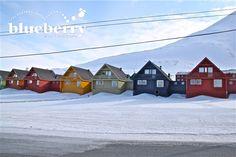 Le case colorate di Longyearbyen divenute ormai il simbolo della città.