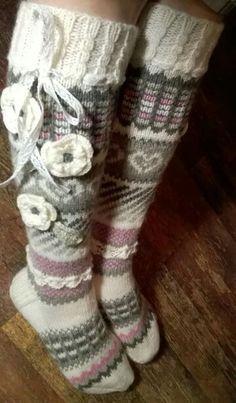 anelmaiset ohje - Google-haku Crochet Cross, Knit Or Crochet, Crochet Gifts, Crochet Stitches, Knitting Socks, Hand Knitting, Knitting Patterns, Crochet Patterns, Crochet Leg Warmers