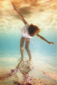 kalis6 Preciosas fotografías bajo el agua por Elena Kalis